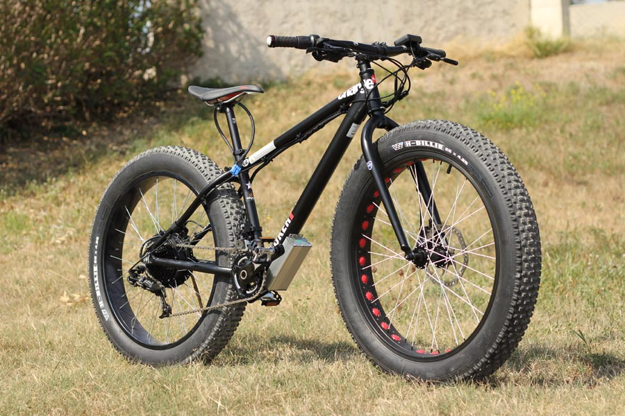 vtt lectrique electrique fat bike fatbike motorisation. Black Bedroom Furniture Sets. Home Design Ideas